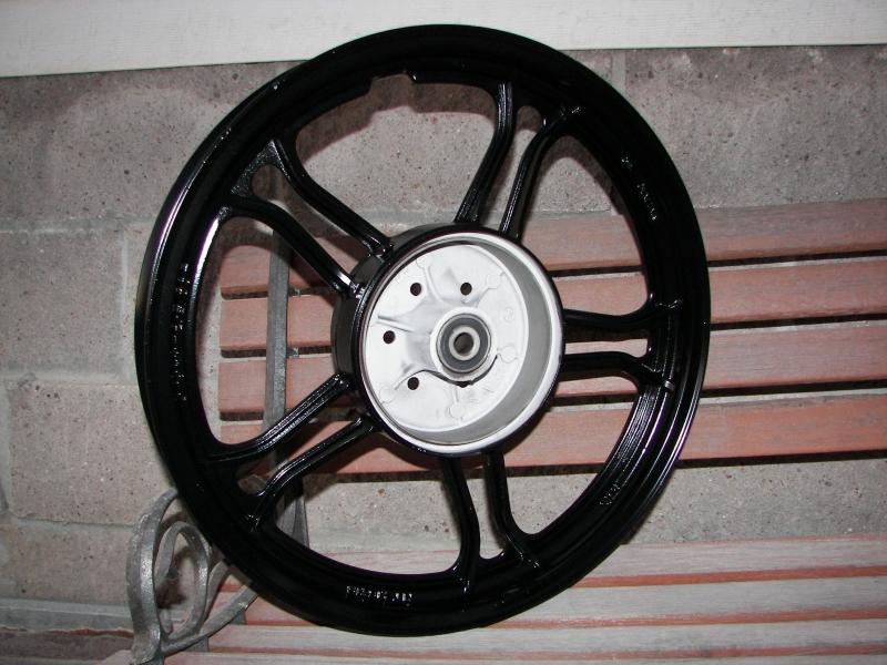 Yamaha 550 rear wheel - Satin black