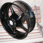 Yamaha R6 rear wheel in super gloss black